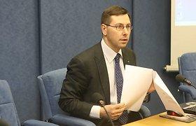 """Sukritikuotas Gintaras Steponavičius pareiškė, kad žinomų visuomenės veikėjų žodžiai """"kvepia praeitimi"""""""