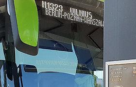 Iš Lenkijos į Lietuvą atvykę keleiviniai autobusai ir jų keleiviai