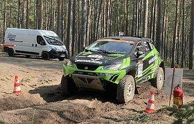 """""""Organicagro Racing Team"""" ekipažas pirmame """"Perimetro"""" etape"""
