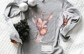 """""""D'esprit"""": Kristinos Norutės tapyti šventiniai personažai nugulė ant marškinėlių ir atviručių"""
