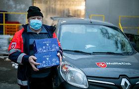 """""""Maximos"""" administracijos darbuotojai savo kalėdines dovanas paaukojo kone 800 skurstančių senjorų"""
