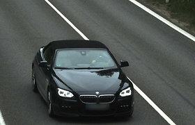 51 kartą greitį viršijęs BMW vairuotojas pagaliau įkliuvo: sumokės 1433 eurų baudą