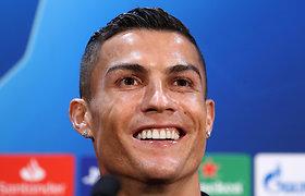 Ar tikrai Cristiano Ronaldo tapo daugiausia įvarčių pelniusiu futbolininku istorijoje?