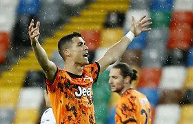 """Italijos karūną pametusią """"Juventus"""" nuo antausio išgelbėjo C.Ronaldo"""