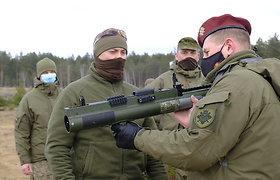 JAV 10 milijonų dolerių vertės dovana Lietuvai: prieštankiniai granatsvaidžiai M-72 LAW
