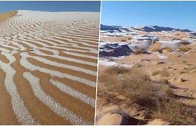 Gamta iškrėtė pokštą: Sacharos dykumoje pasirodė sniegas