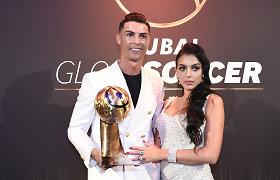 Gresia nemalonumai: C.Ronaldo ir jo mergina – policijos akiratyje dėl karantino pažeidimo
