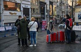 Dalis į griežtą karantiną uždarytų turkų pyksta ant turistų