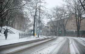 Naktį daug kur snigs, bus slidu, įspėja kelininkai