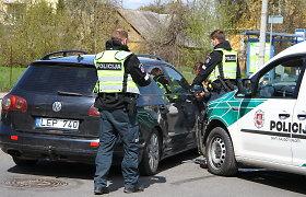 """Panevėžyje į avariją pateko policijos ekipažas: susidūrė su """"Volkswagen"""""""