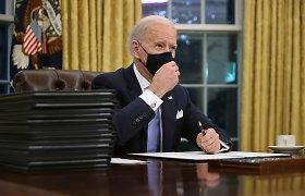 Prezidentas J.Bidenas ėmėsi taisyti D.Trumpo klaidas: vėl pasirašė sprendimą prisijungti prie Paryžiaus klimato sutarties