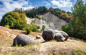 """Šie klaikūs """"gyvieji akmenys"""" Rumunijoje atrodo tarsi iš fantastinių filmų, bet yra visiškai tikri"""