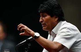 """Iš Bolivijos pasitraukęs E. Moralesas žada """"anksčiau ar vėliau"""" sugrįžti į savo šalį"""