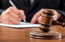 Teisėjams skiepijantis nuo COVID-19, to nesulaukiantys advokatai piktinasi diskriminacija