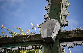 Kumpikų kaimo kryžius mena daug istorijų