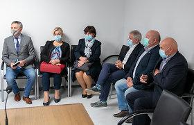 """Teisme – per karantiną parlamentarus maitinusios darbuotojos liudijimas: """"Buvo replikų – mes Seimo nariai, o kas mums?"""""""