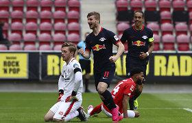 """Bundeslyga: """"Schalke"""" kentė dar vieną pažeminimą, Leipcigo klubas mušė kiek norėjo"""