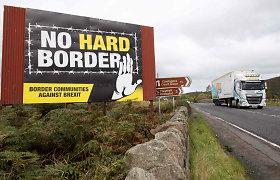 Šiaurės Airija rusenant krizėms mini savo šimtmetį