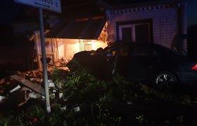Teisėja nerizikavo į laisvę išleisti ukrainiečio, laukiančio teismo po tragiškos Josvainių avarijos