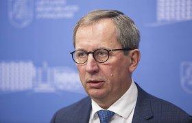 D.Matulionis paskirtas ambasadoriumi NATO, jį pakeis L.Savickas