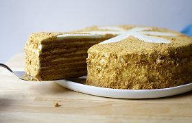Tobulas desertas švenčių stalui – medaus tortas: klasikiniai ir atnaujinti receptai