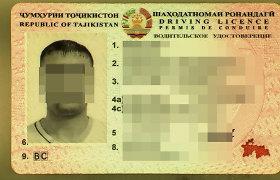 Į klastotę panašų vairuotojo pažymėjimą turėjęs tadžikas uždarytas į areštinę