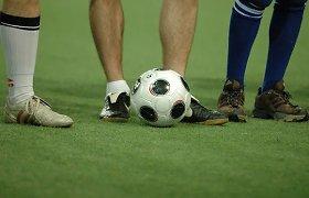 Prašymas nevaikščioti futbolo stadiono veja kauniečiui baigėsi grasinimu nužudyti