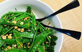 """""""Miško žvėrių"""" receptas: šparaginių pupelių ir žirnių salotos žaliai nuspalvins Velykų stalą"""