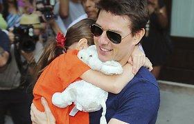 Tomas Cruise'as daugiau kaip metus nesimatė su savo dukra Suri