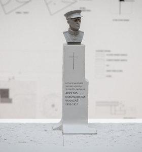 Antakalnio kapinėse Vilniuje atidengiamas paminklas A.Ramanauskui-Vanagui