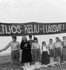 Lietuvoje ketinama įamžinti Baltijos kelio atminimą