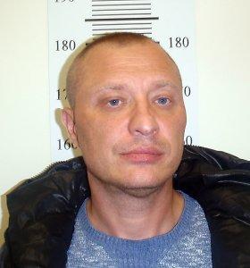Vyras vaidino Vilniaus policijos superagentą – tikri pareigūnai ieško nukentėjusiųjų