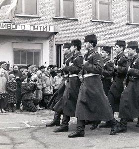 Kaip iš Lietuvos išvesta Rusijos okupantų kariuomenė: unikalios derybų detalės ir Maskvos reikalavimai