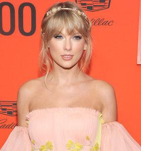 Su buvusiu vadybininku nesutariančiai Taylor Swift draudžiama atlikti savo pačios dainas