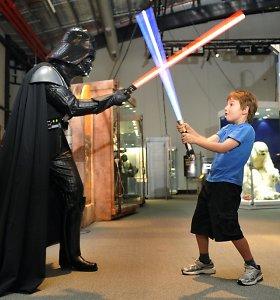 """Mokslininkai sukūrė naują medžiagos formą, kuri savo savybėmis primena šviesos kardą iš """"Žvaigždžių karų"""""""