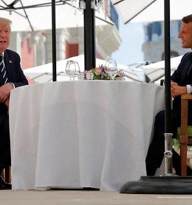 E.Macronas praneša apie susitikimus su D.Trumpu ir H.Rouhani