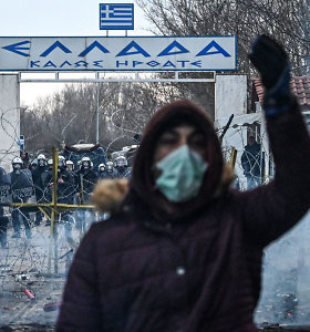Prie Turkijos ir Graikijos sienos migrantai susirėmė su policija