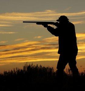 KT skelbs nutarimą dėl prievolės priimti naujus narius į medžiotojų klubą