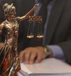 Teismų į darbą grąžinti valdininkai šiemet kompensacijas sėmė abiem rankomis