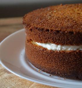 """""""100 tortų Lietuvai"""": """"Marijos sandėliuko"""" autorės veganiškas apelsinų pyragas su vaniliniu kokosų kremu"""