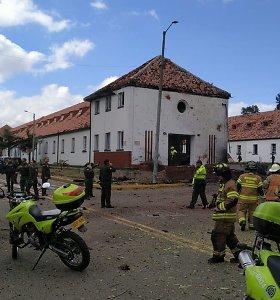 Bogotos policijos akademijoje sprogus užminuotam automobiliui žuvo 8 žmonės