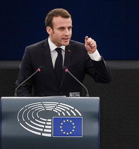 """E.Macronas viliasi, kad po """"Brexit"""" pagrindine oficialiąja ES kalba taps prancūzų"""