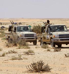 Ataskaita: Jordanija, Turkija ir JAE pažeidinėjo JT ginklų embargą Libijai