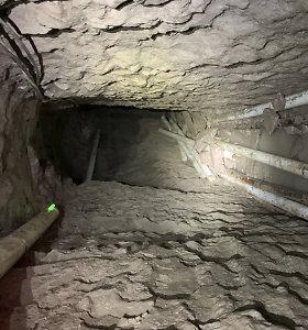 Kontrabandininkai po JAV ir Meksikos siena išrausė rekordinio ilgio tunelį