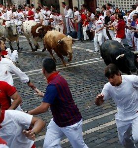 Ispanijoje per festivalį bulius mirtinai subadėžiūrovą