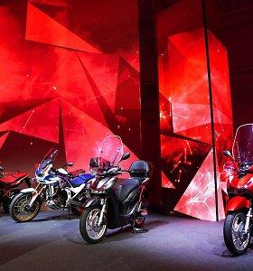 """Pažėrė naujienų: """"Honda"""" pristatė 2020 metų motociklų gamą"""