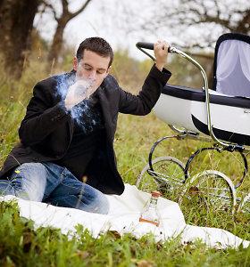 R.Alekna: jei drausime rūkyti balkone ar viešoje vietoje, rūkančiųjų skaičius nesumažės