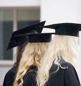 Vyriausybė – už siūlymą dvigubai didinti nemokamų bakalauro studijų vietų skaičių