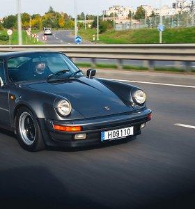 """Vilniaus gatvėse – žymiausių planetos dainininkų """"Porsche"""", vadinamas """"Našlių gamintoju"""""""