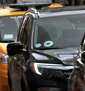 """Varšuvos taksistai surengė protestą prieš """"Uber"""""""